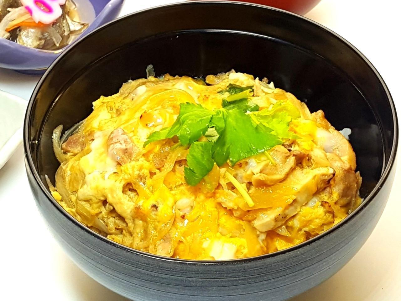 画像: 大和肉鶏の親子丼(1450円)