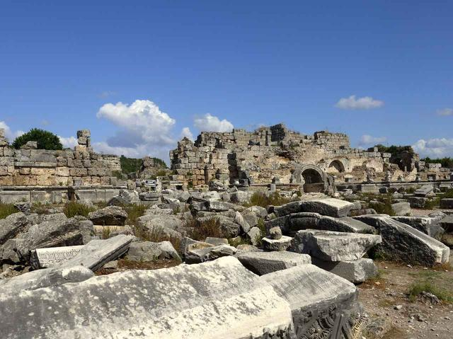 画像: アンタルヤに残るシデ遺跡