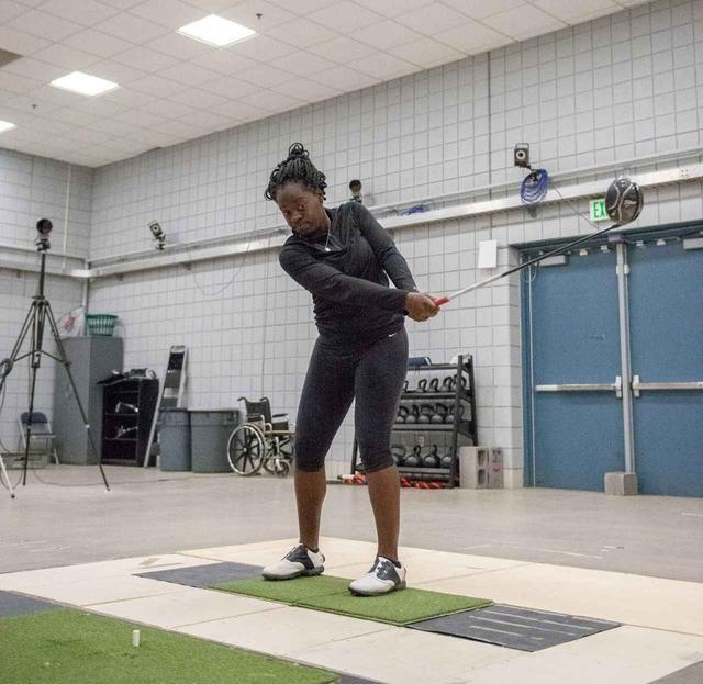 画像2: 【通勤GD】Dr.クォンの反力打法 Vol.18 踏み込みのタイミングはステップドリルでつかむ! ゴルフダイジェストWEB