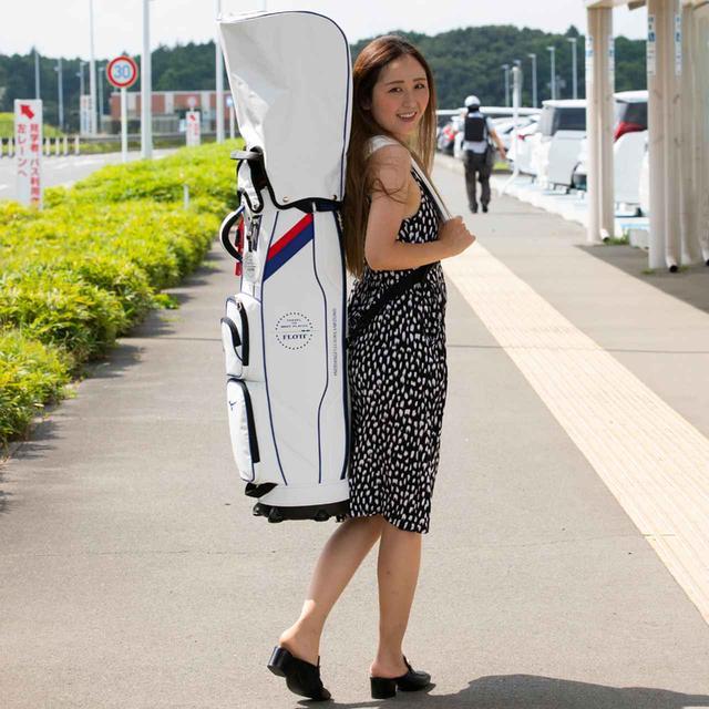 画像: バックパックのように背負えるタイプのキャディバッグ!
