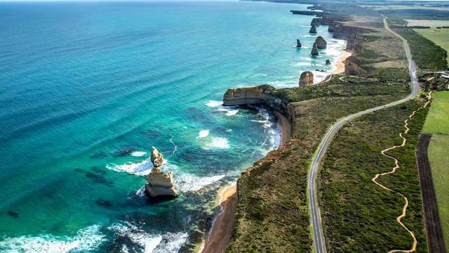 画像: 400キロ近く美しい海岸線が続く