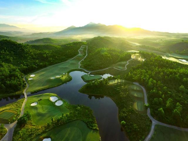 画像1: 【知ってるようで知らなかった】ベトナム・ダナン。最旬のゴルフリゾートと世界遺産の古都が一挙両得。行かずにはいられない旅行都市