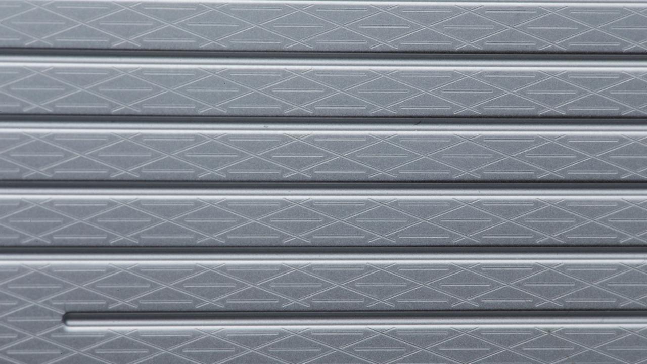 画像: ハニカム模様のフェースミーリングは打点や天候に左右されずスピンが安定する