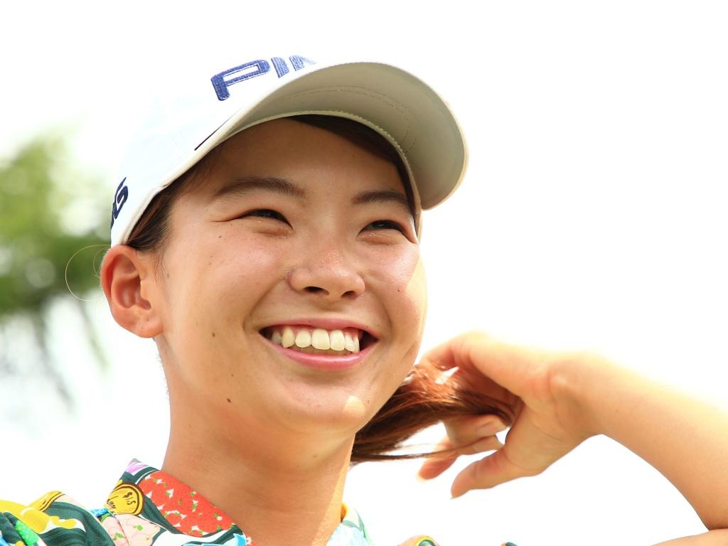 画像: 渋野選手にとっては、笑顔が緊張状態を緩和する役割になっている