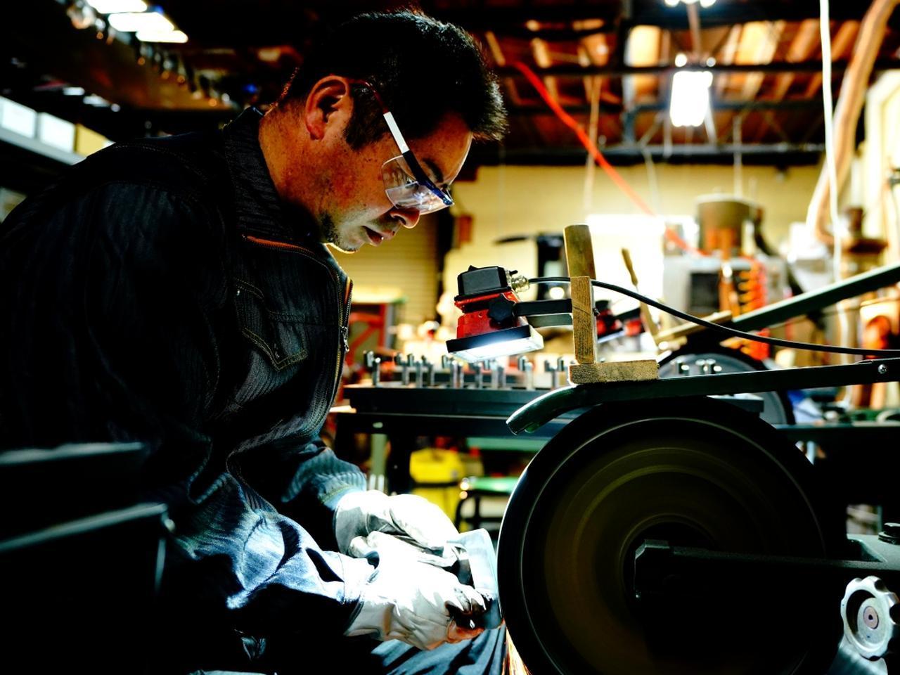 画像: 「人間が使う道具だから、作る人間は深く理解していなくてはならない」と語る増田雄二。尾崎将司をはじめ多くのプロのクラブを担う技術は今も健在