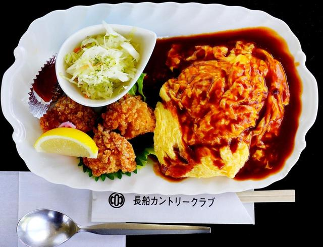 画像: 長船CCレストランの新メニュー「シブコランチ」。オムライスと唐揚げがプレートに乗ったパワーランチ!