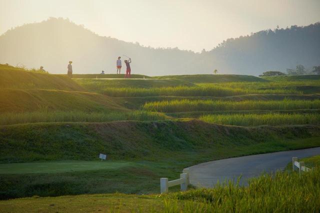 画像1: 【タイ・パタヤ】巨大ブッダのチーチャン、名門サイアム、厳選コースでゴルフコンペ開催 5日間 2プレー(添乗員同行/一人予約可能) - ゴルフへ行こうWEB by ゴルフダイジェスト