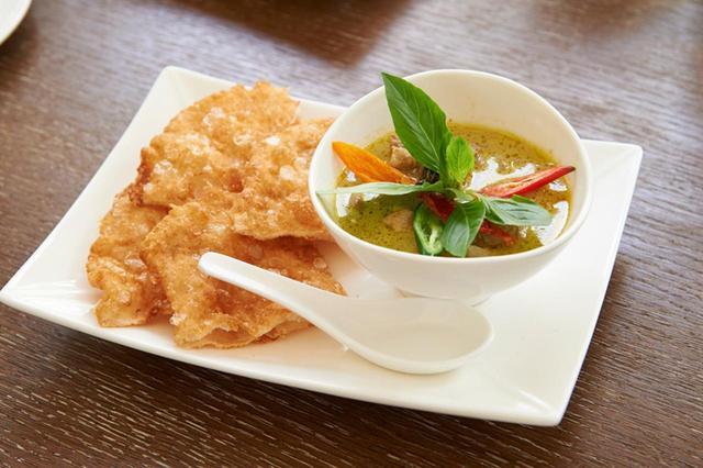 画像: インドからきた料理といえばカレー。グリーンカレーはおおむねとても辛いです