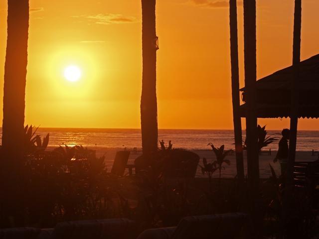 画像: シャングリ・ラから望むコタキナバルの夕陽