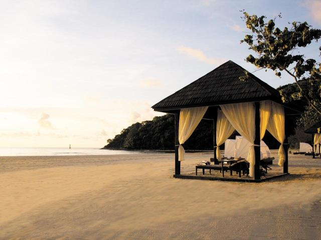 画像1: 朝、夕方の美しいビーチ散策もおすすめです