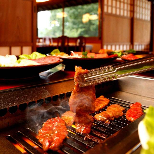 画像: 焼肉レストラン粋虎。コース敷地内にある隠れ家的レストラン。宿泊ゴルファーに人気