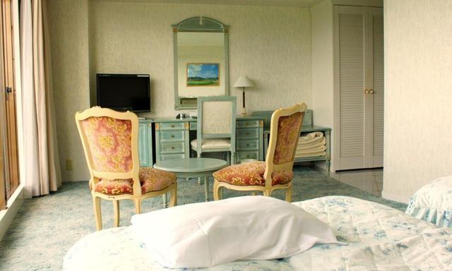 画像: ホテル客室例(ツイン)