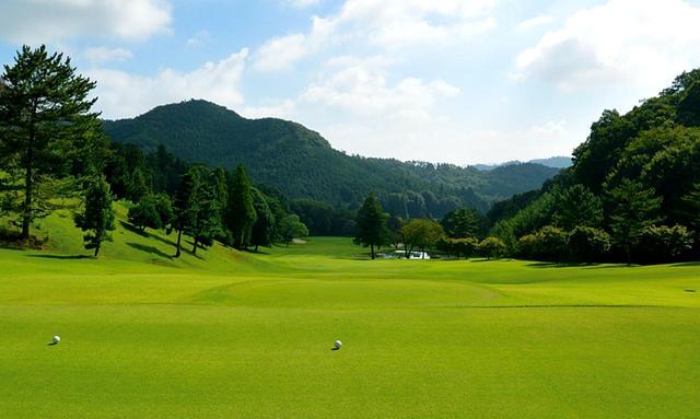 画像1: 唐沢ゴルフ倶楽部(三好コース18H・6934Y・P72、唐沢コース18H・6201Y・P72)三好は和泉一介、唐沢は陳清水が設計