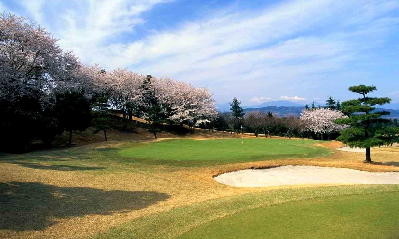 画像1: 平塚富士見カントリークラブ (平塚コース18H・6685Y・P72、大磯コース18H・6685Y・P72)、36ホールの丘陵コース