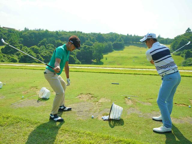 画像: 左)額賀辰徳プロ、右)塩見好輝プロ