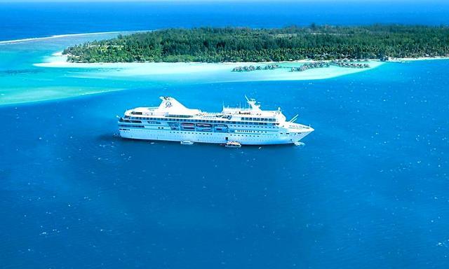 画像: Paul Gauguin Cruises「ポール・ゴーギャン」 1998年就航、乗船人数332名、1万9200トン、全長:157㍍