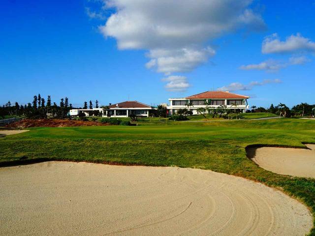 画像1: エメラルドコーストゴルフリンクス18番グリーンとクラブハウス