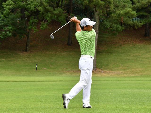 画像6: 【右脳ゴルフ②】桑原克典プロが気づいた技術の原点。自分の前からクラブを外さず振るだけ