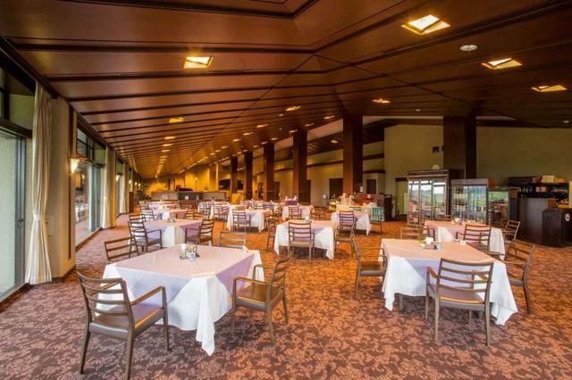 画像: 明るいながら落ち着きのあるレストラン(15卓)