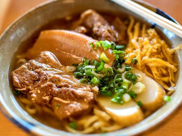 画像: 自家製麺はつるつるモチモチ