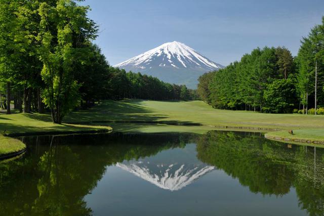 画像: 富士桜CC6番(497Y・P5) 富士山と逆さ富士