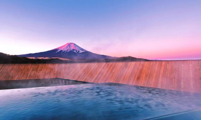 画像: 富士山温泉は全国有数のph10.3を誇る高アルカリ泉。アルカリ泉は身体の健康バランスを取り戻し、人を自然の状態に帰す性質を持つと言われます