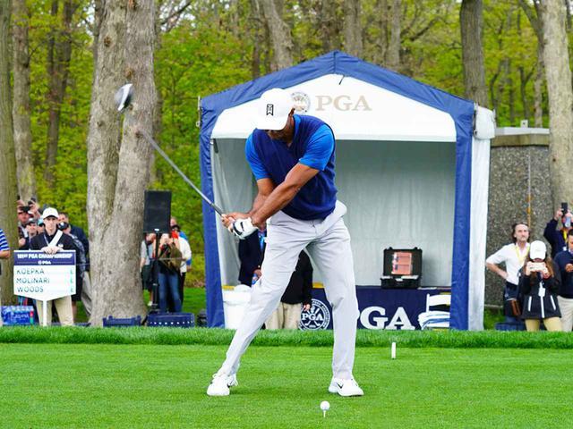 画像3: 【タイガー・ウッズ】PGAツアー82勝の偉業達成。43歳の新スウィングは手首が自然にリリース。体にやさしい、アマのお手本!