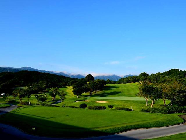 画像: 筑紫ヶ丘GC 桜美式ゴルフのおひざもと、ゆるやかな丘陵コース27ホール