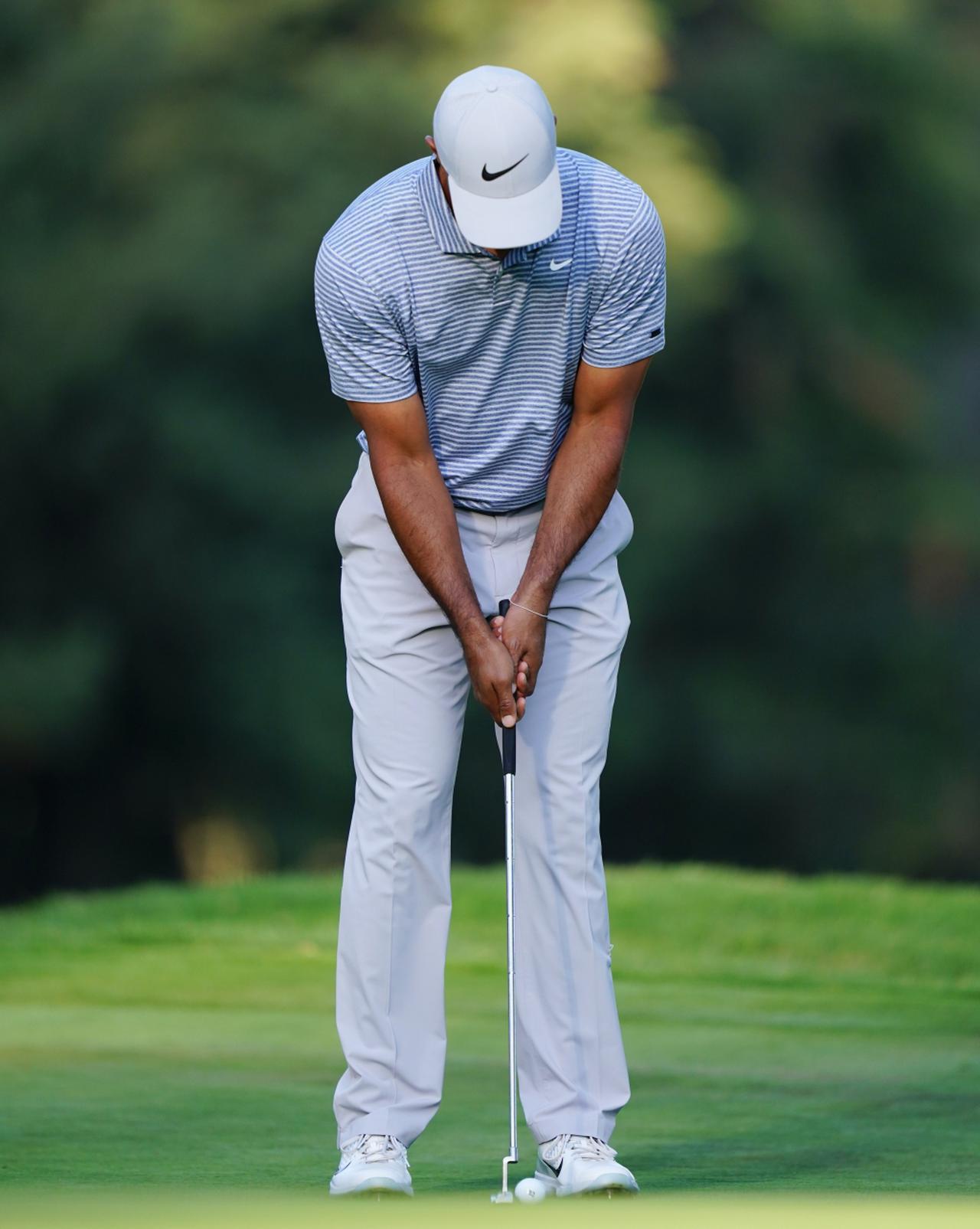 画像1: 【名手のパット】入る握り方に3つの流派。PGAツアーのパッティンググリップ、タイガー・マキロイ・松山・スピース…