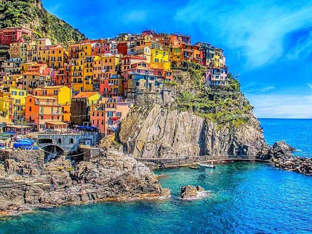 画像: 寄港地ラ・スペツィア(イタリア)では世界遺産チンクエ・テッレ観光