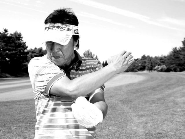 画像: レベルに振って低い球が打てるのが、ゴルフの上手い人