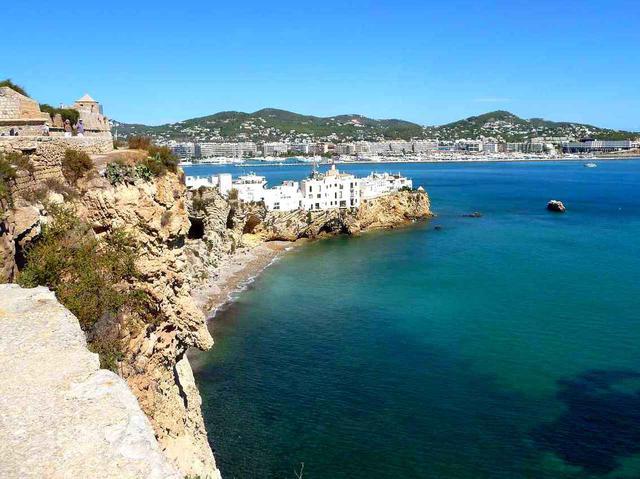 画像: 地中海に浮かぶ美しい島・イビサ島