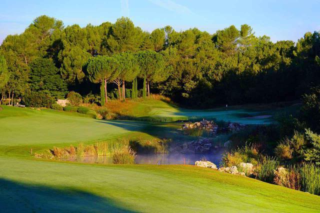 画像: 南仏の美しさを堪能できるコースでプレーができる(写真:テールブランシュゴルフリゾート)