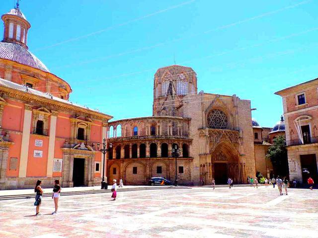 画像: バレンシアでは旧市街の街歩きがおすすめ