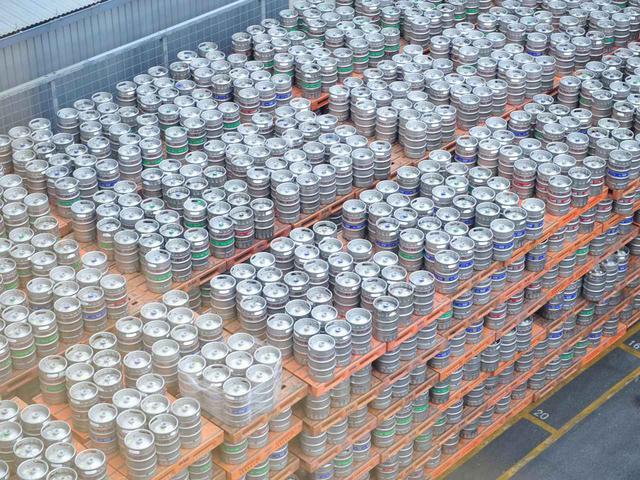 画像: 樽詰めされたオリオンビール