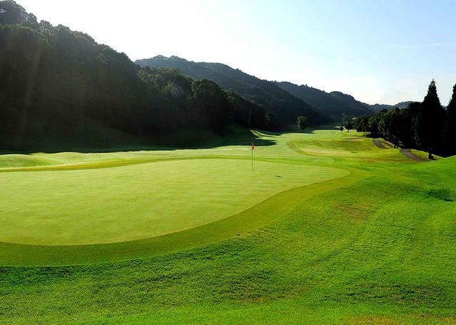 画像: ザ・クラシックゴルフ倶楽部 キングコース8番(591Y・P5)