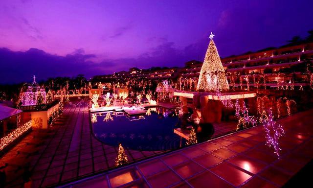 画像: カヌチャベイホテル&ヴィラズ(夜景)