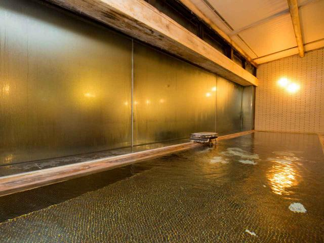 画像: 大浴場の泉質はリウマチや神経痛にも効果的