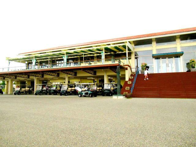 画像: コース側からみたクラブハウス