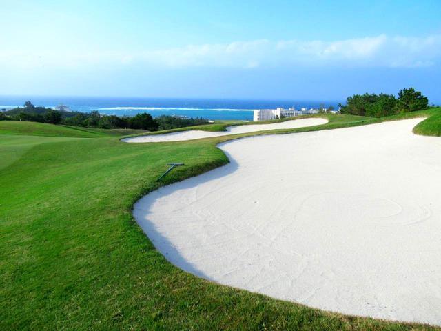 画像: 【沖縄ゴルフ旅行】二人で行く、理想のゴルフ場とホテルを探しに行った! その2.PGMゴルフリゾート沖縄でツーサムプレー - ゴルフへ行こうWEB by ゴルフダイジェスト