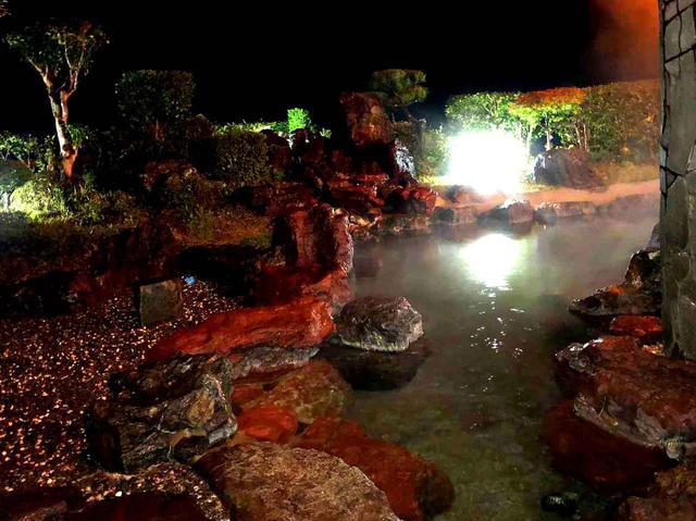 画像: 満天の星空を見ながら露天風呂でのんびりリフレッシュ
