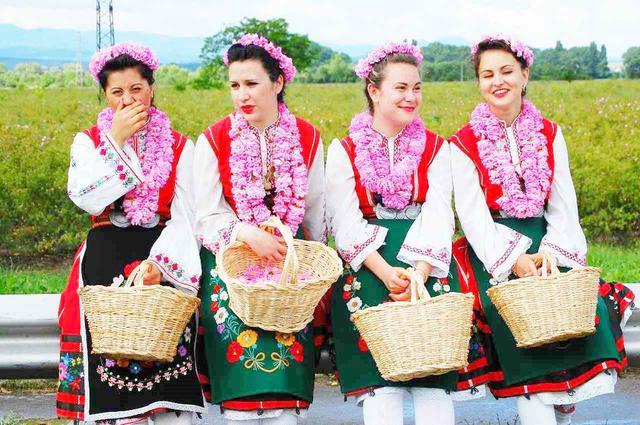 画像1: バラ祭りの風景