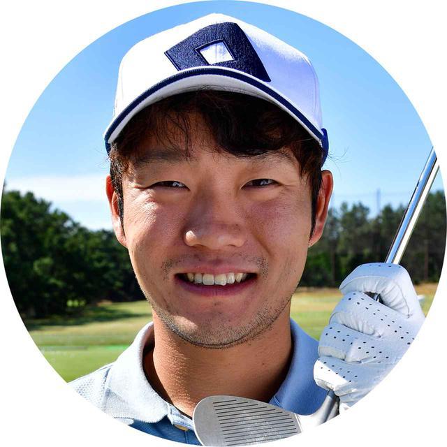 画像: 【浅地洋佑】 ショートコースを遊び場にしゴルフを覚えたアプローチ上手プロ。浅地プロもインアウト軌道だった