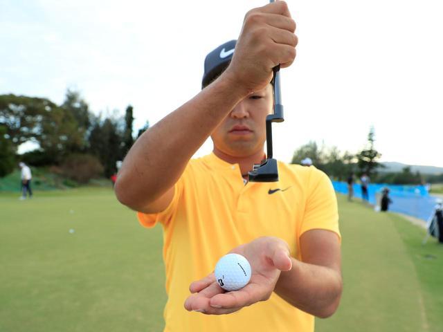 画像3: 【通勤GD】時松隆光プロを育てた異次元打法「みんなの桜美式」Vol.5 打たずに擦り上げるパット  ゴルフダイジェストWEB