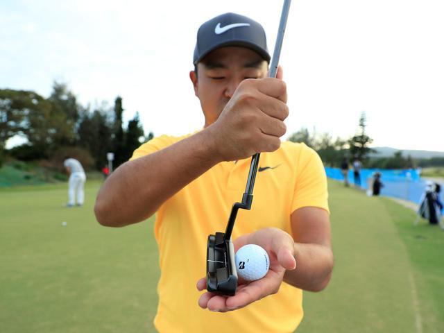 画像1: 【通勤GD】時松隆光プロを育てた異次元打法「みんなの桜美式」Vol.5 打たずに擦り上げるパット  ゴルフダイジェストWEB