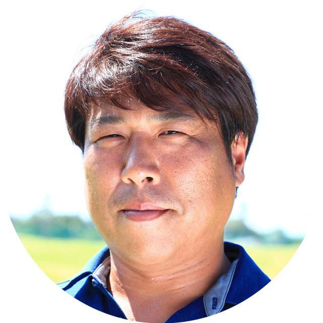 画像: 【解説】辻村明志コーチ つじむらはるゆき。1975年生まれ福岡県出身。上田桃子をはじめ、小祝さくらや永井花奈のコーチを務める。理論を押しつけず、それぞれに合った指導に定評がある