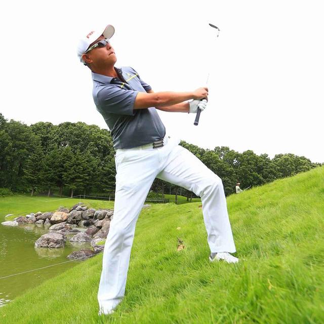 画像: 【名人レッスン】谷口徹のアプローチ。「当てる」「落とす」、グリーン周りの名人技を公開! - ゴルフへ行こうWEB by ゴルフダイジェスト