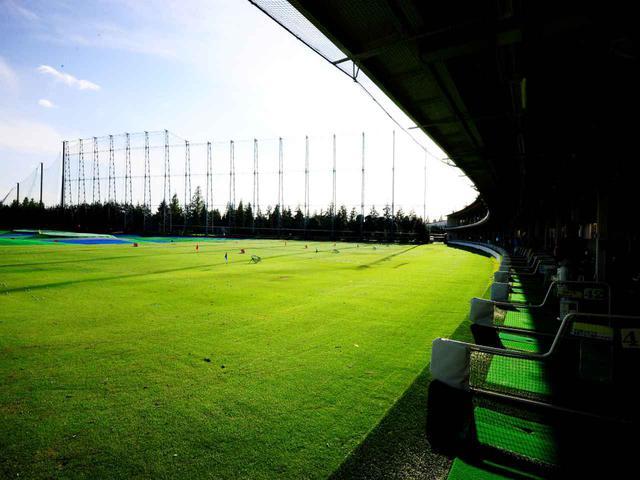 画像: 打ち放題プランもある300ヤードの練習場。ショートコースとのセットがお得