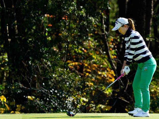 """画像45: 【プレショットルーティン調査】女子プロゴルファー上位32人をチェック! 2タイプに分かれた""""アドレスの入り方"""""""