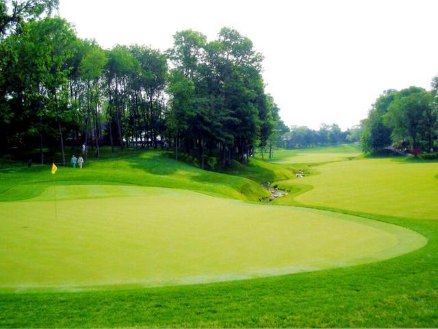 画像: ミュアヘッドの代表作「ミュアフィールドヴィレッジGC」PGAツアーのメモリアルトーナメントの舞台で、世界ベスト100入りの常連コース。ジャック・二クラスとの共同設計